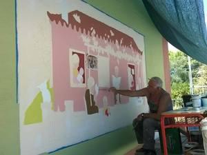 Πάτρα: 10 χρόνια προσφοράς για τον Γιώργο Κατσίποδο - Έχει βάψει 37 σχολεία