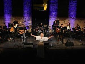 Πάτρα - Μια βραδιά γεμάτη με τραγούδια του Μάνου Λοΐζου (φωτο)