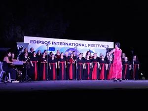 Εντυπωσίασε η χορωδία της Πολυφωνικής στο 5ο Διεθνές Χορωδιακό Φεστιβάλ Αιδηψού (φωτο)