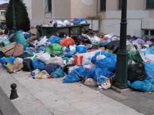 Αίγιο: Σήμερα το συλλαλητήριο διαμαρτυρίας για τα σκουπίδια