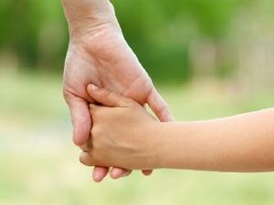 Πάτρα - Μητέρα μεγαλώνει τα τρία της παιδιά με μοναδικό εισόδημα, το προνοιακό επίδομα