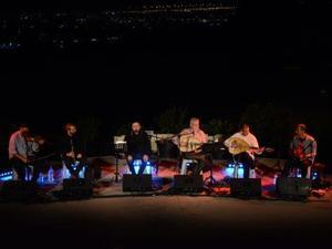 Πάτρα - Με μουσικές της Ελλάδας και της Πόλης πλημμύρισε το θεατράκι Κρήνης (φωτο)