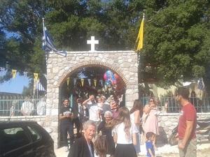 Πλήθος προσκυνητών στο ξωκλήσι του Προφήτη Ηλία στο Πουρναρόκαστρο Πατρών! (φωτο)