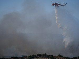 Φωτιά στα Μέγαρα: Απειλούνται σπίτια