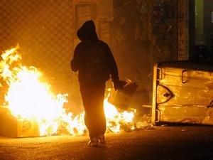 Έρχονται σκληρότερες ποινές για μολότοφ, εμπρηστές & επιθέσεις