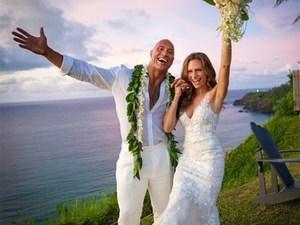 Ο Dwayne Johnson, παντρεύτηκε την αγαπημένη του Lauren Hashian! (φωτο)