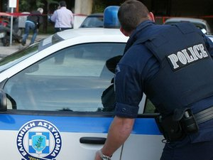 Πάτρα: Έκλεψαν πορτοφόλι από καθαριστήριο στην Παπαφλέσσα