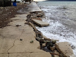 Αχαΐα: SOS για τη διάβρωση των ακτών