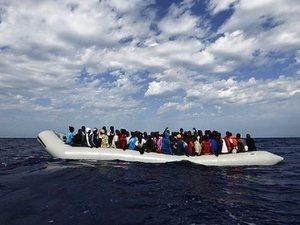 Ιταλία: Οι διακινητές άλλαξαν στρατηγική και μεταφέρουν τους μετανάστες από την Τυνησία