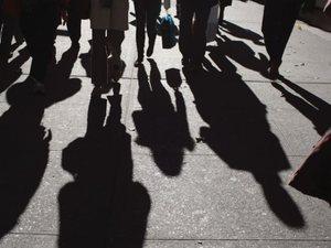 Τρία προγράμματα του ΟΑΕΔ για να μειωθεί η ανεργία
