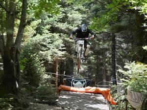 Όλα έτοιμα για το Καλάβρυτα Downhill Race 2019 - Είναι ο αγώνας της χρονιάς! (pics+video)