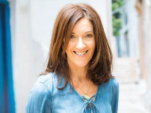 Η Victoria Hislop στο patrasevents.gr: 'Το «Όσοι αγαπιούνται» είναι ίσως το καλύτερο βιβλίο μου'!