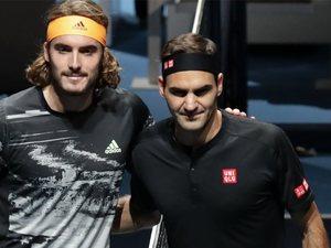 Ο Στέφανος Τσιτσιπάς κέρδισε τον Φέντερερ και πέρασε στον τελικό των ATP Finals