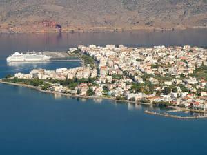 Ιτέα - Η όμορφη κωμόπολη της Φωκίδας που αγκαλιάζει ο Κορινθιακός (φωτο)
