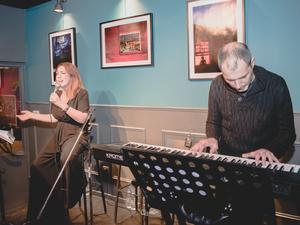 Μουσικό ταξίδι στο Quinta Jazz Bar & Restaurant, με οδηγό τη Μικαέλα Δαρμάνη! (φωτο)