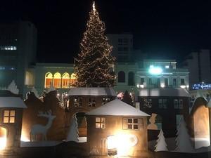 Πάτρα: Αντίστροφη μέτρηση για το άναμμα του Χριστουγεννιάτικου δέντρου στην πλατεία Γεωργίου!