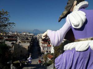 Οι σκάλες της Αγίου Νικολάου 'φόρεσαν' τα καρναβαλικά τους! (φωτο)