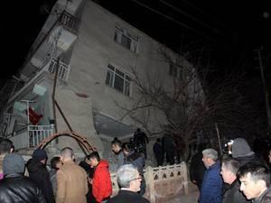 Τρόμος από τον σεισμό στην Τουρκία - Στους 19 οι νεκροί (video)