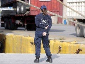Πάτρα: Έκρυψε μέσα σε φορτίο με παπούτσια 6 μετανάστες