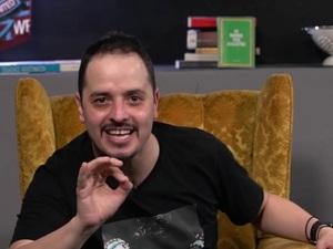 Ο Αλέξανδρος Τσουβέλας είναι on the road και πέρασε από την Πάτρα! (video)