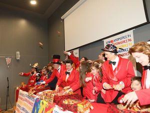 Πάτρα: Στη μάχη του σοκολατοπόλεμου του Καρναβαλιού με 50.000 σοκολάτες