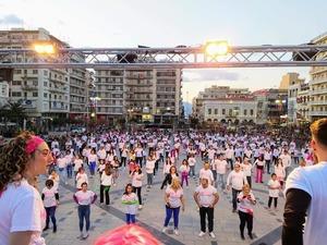 Η Πάτρα χόρεψε ντίσκο και μπήκε στο βιβλίο Γκίνες με 354 χορευτές! (φωτο)