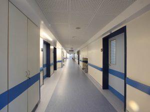 Βρέθηκαν να καπνίζουν γιατροί σε νοσοκομεία - Τι έδειξαν οι έλεγχοι στην Πάτρα