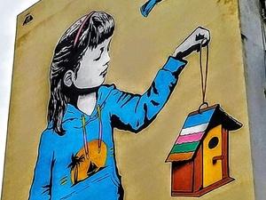 Το mural της Πάτρας που στις μέρες της καραντίνας, αγαπάμε ακόμα περισσότερο!