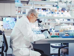 Κορωνοϊός: Θετικά τα νέα από τη δοκιμή δύο φαρμάκων