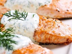 Φιλέτο ψαριού με dressing γιαουρτιού
