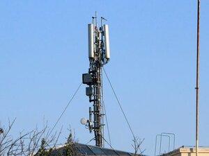 Πάτρα: «Πυρά» από την Αγυιά προς τη Μαιζώνος, για τις κεραίες κινητής τηλεφωνίας