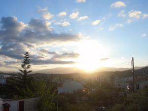 Πάτρα - Η στιγμή που ο ήλιος 'ξυπνάει' τα Βραχνέικα (video)