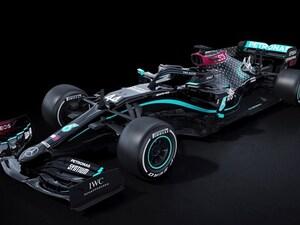 Formula 1: Με μαύρα μονοθέσια η Mercedes (video)