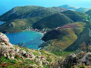 Περιήγηση στην ανατολική Μάνη, ένα ιδιαίτερο κομμάτι στην Πελοπόννησο (video)