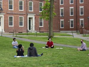 ΗΠΑ: Η κυβέρνηση Τραμπ απειλεί με απέλαση τους ξένους φοιτητές