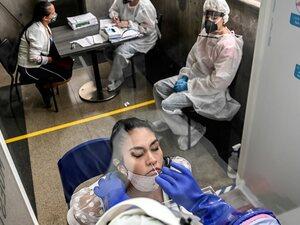 ΠΟΥ: Η πανδημία του κορωνοίου επιταχύνεται - «Προκύπτουν αποδείξεις ότι ο ιός μεταδίδεται μέσω αέρα»