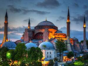 Δέος και οργή - Η Αγία Σοφία και η μετατροπή της σε τζαμί, μέσα από τα μάτια ενός επισκέπτη από την Πάτρα