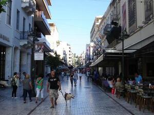 Σανίδα σωτηρίας αναζητά η εμπορική αγορά της Πάτρας για να μην έρθουν λουκέτα το φθινόπωρο
