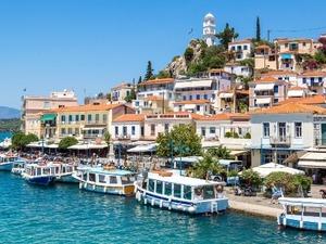 Κορωνοϊός - Ανακοινώθηκαν μέτρα περιορισμού στον Πόρο μετά τα 13 θετικά τεστ