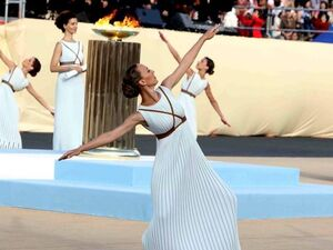 Ζαχαρή Αχιλλεοπούλου: Το κορίτσι που έβαλε στόχο το φεγγάρι και βρίσκεται στα αστέρια! (φωτο)