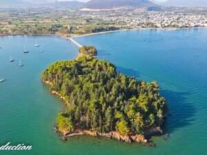 Κουκουμίτσα: Το γραφικό νησάκι της Βόνιτσας, στην Αιτωλοακαρνανία (video)