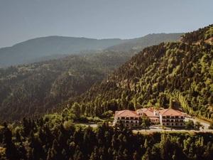 Ζητείται παιδαγωγός από το ξενοδοχείοCrystalMountainστην Ορεινή Ναυπακτία