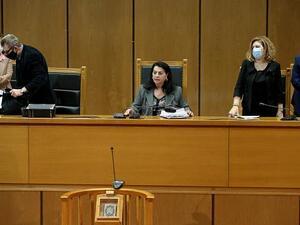 Δίκη Χρυσής Αυγής: Το δικαστήριο αποφασίζει για τις αναστολές