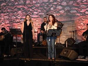 Πάτρα: Με τραγούδια διαχρονικής αξίας 'πλημμύρισε' ο πολυχώρος της Αίγλης! (φωτο)