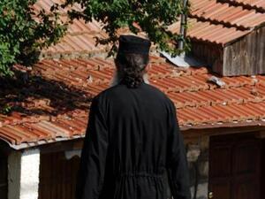 Αιτωλοακαρνανία: Ιερέας είπε στους πιστούς ότι απαγορεύεται να φοράνε μάσκα μέσα στην εκκλησία