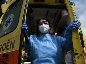 Κορωνοϊός: 2.056 νέα κρούσματα - 135 οι διασωληνωμένοι, 6 θάνατοι