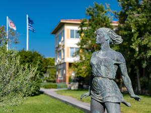 Το Πανεπιστήμιο Πατρών τιμά την επέτειο ιδρύσεως του με ένα λεύκωμα φωτογραφιών