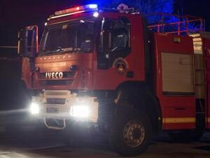 Πάτρα: Φωτιά τη νύχτα σε υπόγειο super market Τριών Ναυάρχων και Μαιζώνος