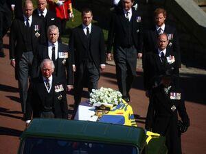 Βρετανία: Κάρολος και Γουίλιαμ αποφασίζουν για το μέλλον της βασιλικής οικογένειας μετά τον θάνατο του Φίλιππου