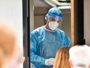 Κορωνοϊός: 2.461 νέα κρούσματα, 68 νεκροί, 737 διασωληνωμένοι